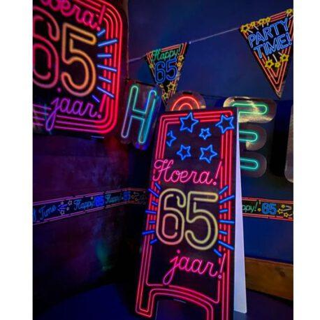 65 neon bord